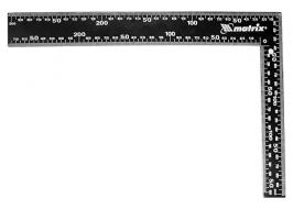Угольник 600 мм, цельнометаллический Matrix