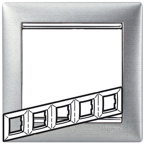 Рамка 5-я, алюминий матовый/серебряный штрих, универсальная 770335 LG